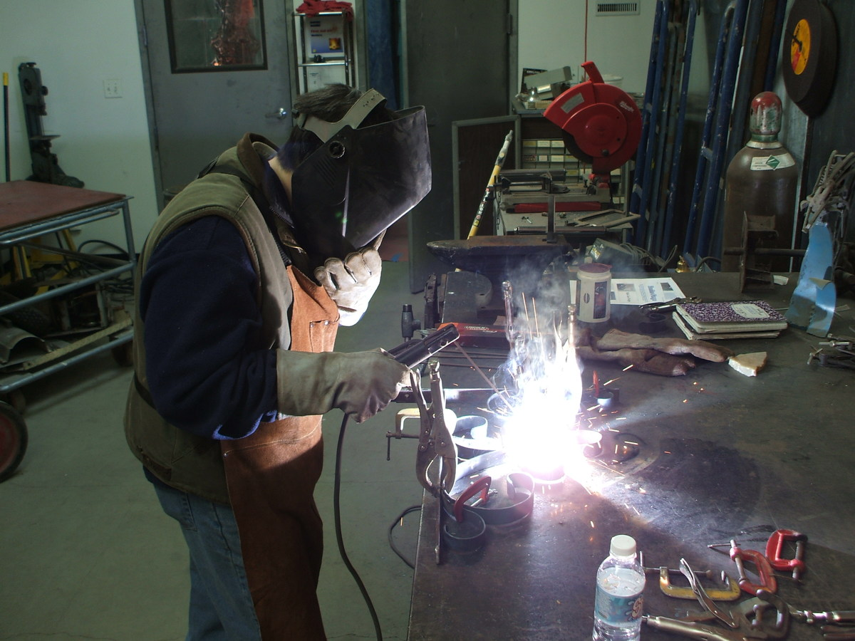 Intro to MIG Welding Class | Gearhead Workspace intro to welding class