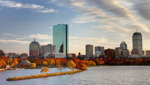 1505519260-fall-foliage-cruise-tickets