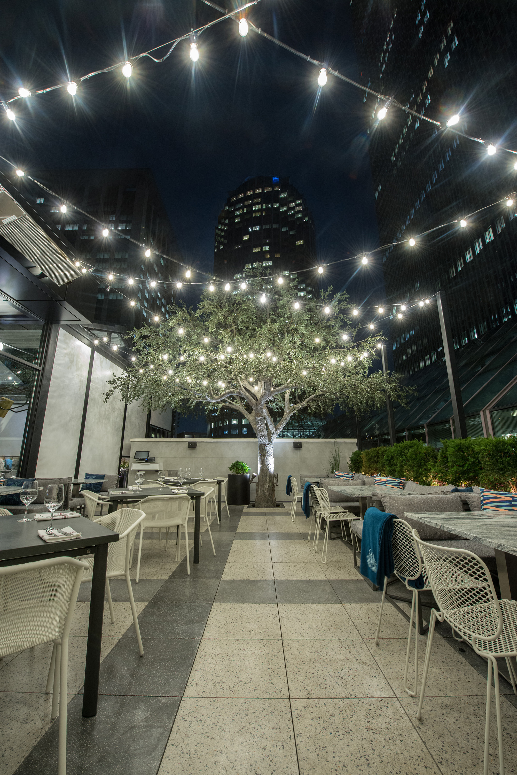 Earls Kitchen + Bar at the Prudential Center Hosting Vamp Rooftop ...