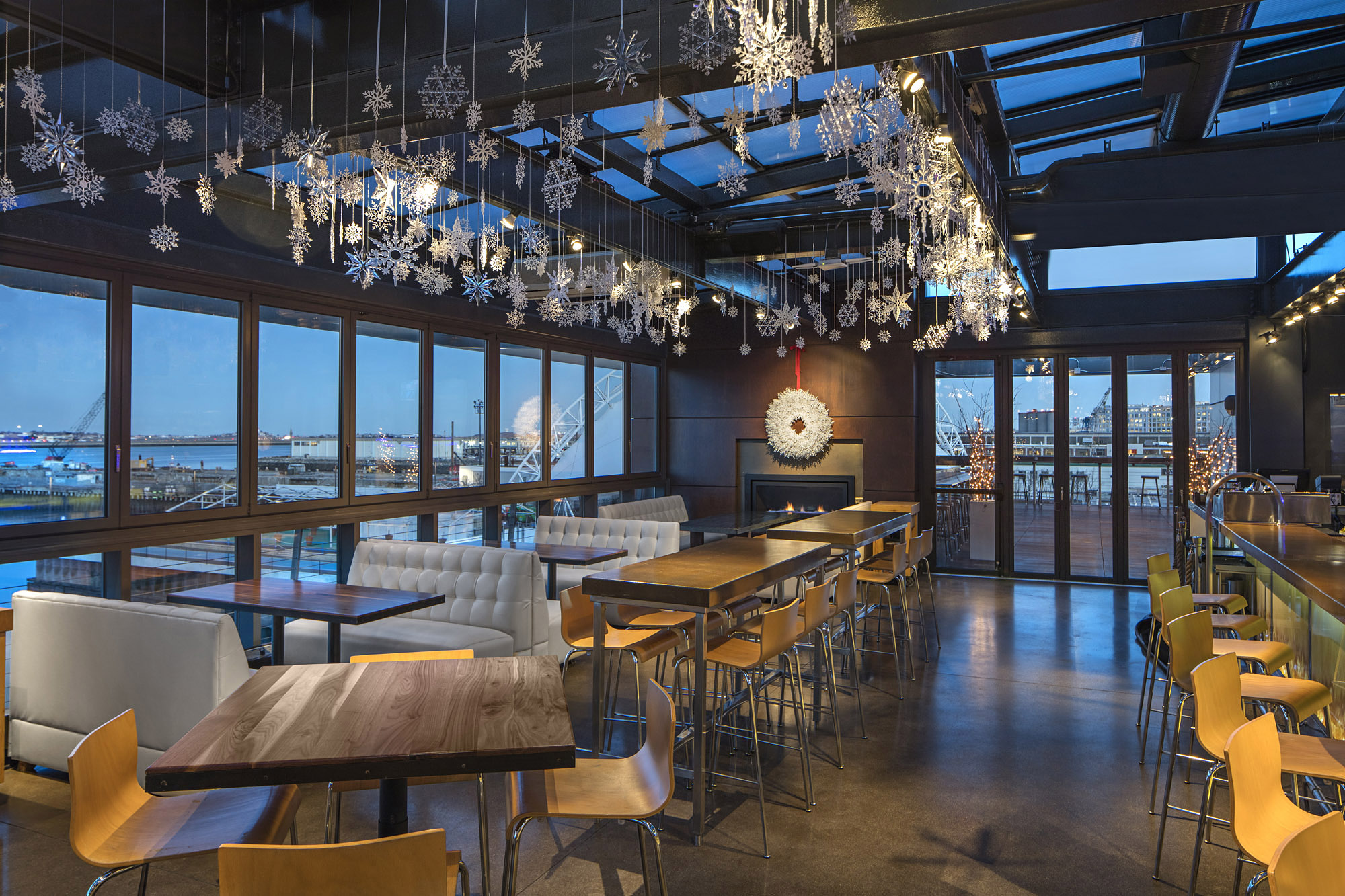 Ring In 2018 With Rooftop Reveling At Legal Harborside 12