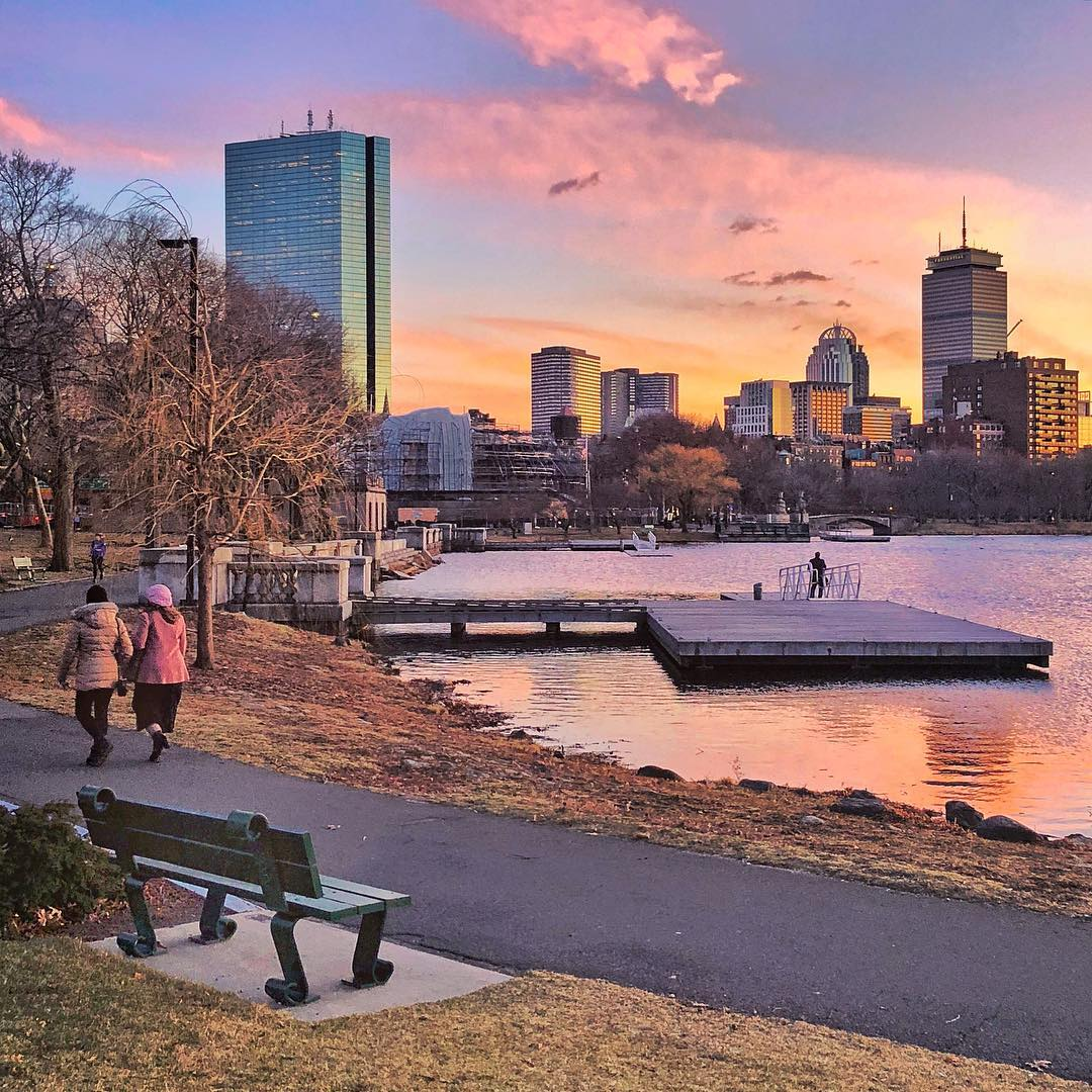 Looking for some fun for Memorial Day Weekend?! Kick off the unofficial  start to summer with a fun weekend trip! With hourly service to Boston and  3 trips ...