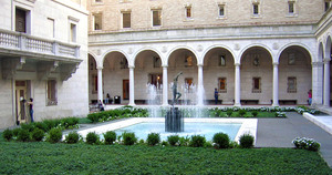 Boston_public_library_concerts_in_the_courtyard