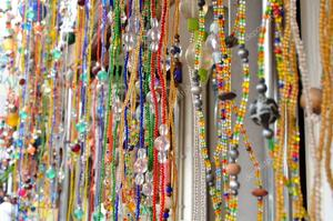 Depositphotos_125522768-stock-photo-beading-gift-on-bali