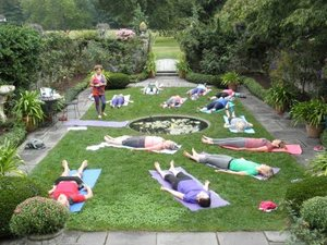 Yoga_in_the_gardens_friday