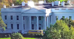 White_house_moving_truck